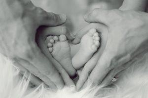 Premiers liens : communication et éveil du bébé