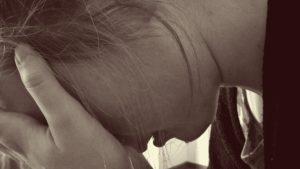 Difficultés d'estime de soi à l'adolescence.