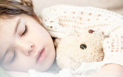 7 Conseils Pratiques pour Calmer les Angoisses d'Endormissement chez les Enfants