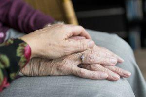 Relation Aidant-Aidé: Quels Enjeux Relationnels et Affectifs ?